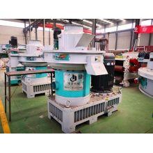 Dust-free and efficient biomass pellet machine