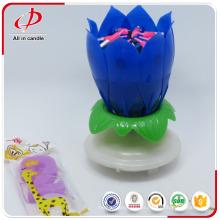 Me encantó la vela giratoria del cumpleaños de la música de la flor de loto