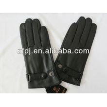 Homem inverno proteger luva de couro de pele de carneiro de mão
