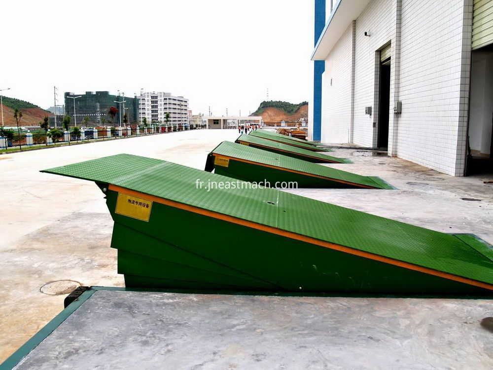 Mobile Ramp For Container Warehouse