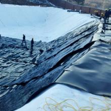 Geomembrana impermeable de PEAD de 2 mm como revestimiento de estanque