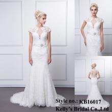 Vestido de noiva de sereia com pérolas sem cordão com cruzada de peixe