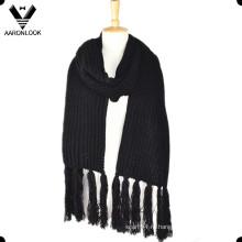 Зимний теплый трикотажный длинный шарф