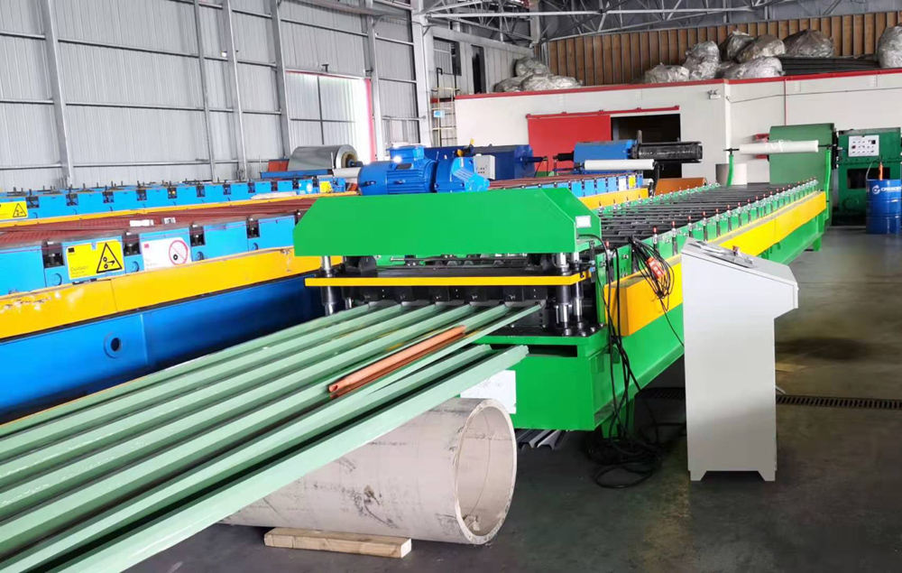 IBR roof sheeting machine