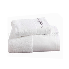 Venda quente branco comprimido toalha de banho, bordar toalha de bebê padrão