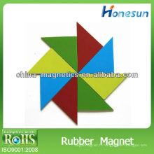 feuille magnétique de triangle coloré sur mesure caoutchouc