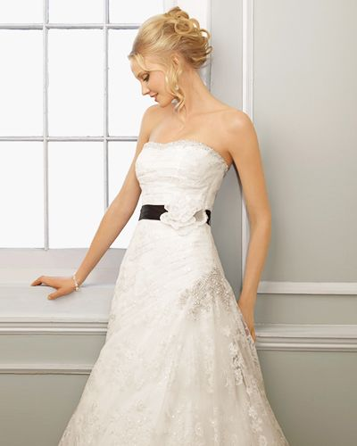 Sweetheart Strapless Lace Cathedral Train Manmade Flowers Ribbon Beading Wedding Dress