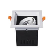 Montaje de luz empotrada con rejilla LED