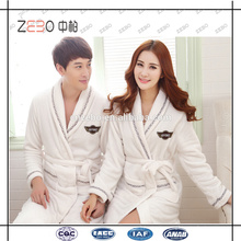 Guangzhou Factory Supply Custom Broderie Logo White Bathrobe for Hotel or Spa