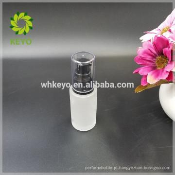 O frasco líquido da fundação 30ml para o creme de cara compo a garrafa da bomba da loção dos cosméticos