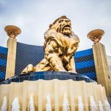 Célèbre paire mgm bronze lion yard statue