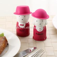 sel et poivre avec chapeau de silicone, vin rouge