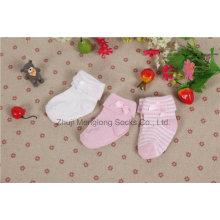Bequeme doppelte Manschette Neugeborene Baumwollsocken mit niedlichem Bogen in der Manschette