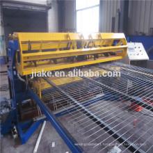 Fencing mesh panel welding machine