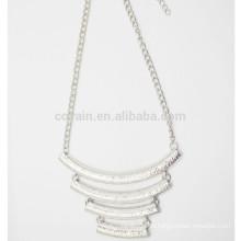 Серебряные ювелирные изделия с ожерельем
