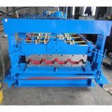 Metallüberdachungs-Rolle, die Maschine bildet