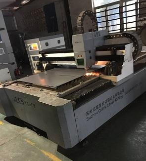 Stainless steel basin die cutting machine