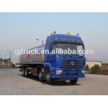 Camion de réservoir de carburant de Shacman de 8X4 drive pour la capacité de 20-35 mètres cubes
