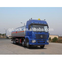 8X4 drive Shacman fuel tank truck for 20-35 cubic meter capacity