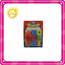 Inicio de la letra plástica magnética y número de juguetes de los niños