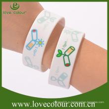 Изготовленный на заказ wristband силикона для Comic-con свободной конструкции