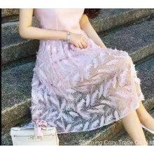 Nuevo diseño caliente del bordado de la pluma de la tela de la falda del verano de la manera