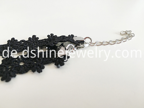 Black Flower Lace Choke