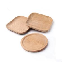 Práctico de costa de madera usado para la decoración una tabla