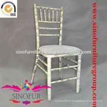 Fabriqué à partir d'une chaise longue SinoFur