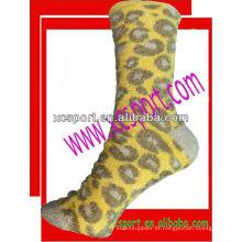 Moda quente borracha mulheres meias