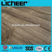 Piso de madeira imitado com revestimento de laminado clique fácil