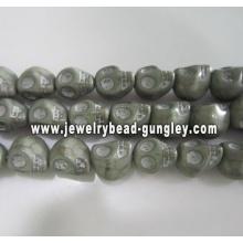 Howlite skull beads - grey