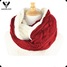 Lady′s Fashion Warm Cable Pattern Neck Warmer with Faux Fur