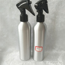Botella de aluminio de plata 250ml con el rociador plástico negro del disparador