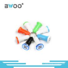 Mini chargeur de voiture double USB portable chargeur de téléphone portable