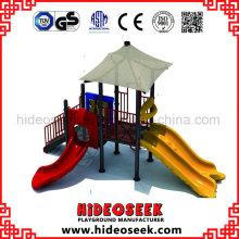 Equipamento de recreio pré-escolar ao ar livre