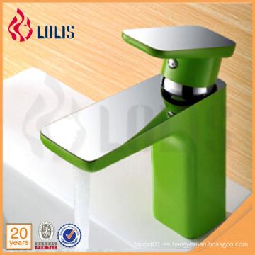 Nuevos productos solo mango cromo verde cuarto de baño grifo de agua comercial