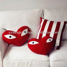 2015 Nuevo almohadón rojo del corazón del algodón de la llegada 100% en forma de corazón eyes la almohadilla