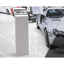 Popular and Fashion touch screen information playing kiosk digital signage with power bank space