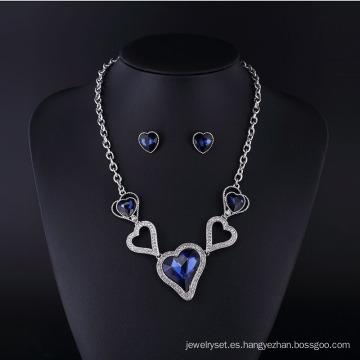 Conjunto de collar de diamantes de imitación de cristal de zafiro sostenido del corazón