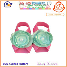 El precio bajo hermoso adorna los zapatos de bebé del ballet adorno