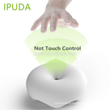2017 innovative gadget IPUDA table lamps for bedroom with 5V 2.4A fast charging USB outlets gesture control