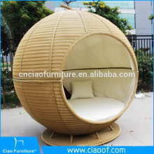 Stylish Beach Apple Shaped Rattan Round Sun Bed