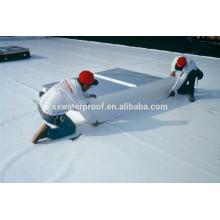 Instalação de telhados de membrana TPO