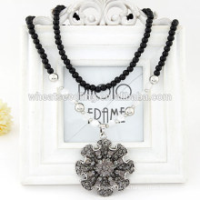 El collar moldeado negro caliente 2014 del collar de la venta con la buena suerte florece el colgante de los encantos