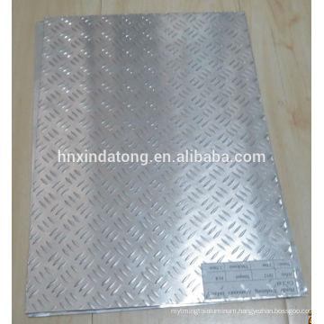 3 bars aluminum embossed plate