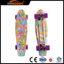 Várias especificações skateboardboard personalizado 4 rodas para venda
