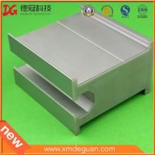 Panneau en aluminium solaire personnalisé Housse de protection en plastique Cap-End en plastique