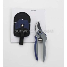 Bypass pruner in pouch bag