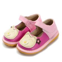 Cute Baby Girl Cat Sapatos de pirais artesanais macios